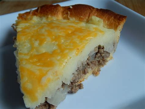 cheeseburger pie with mashed potatoes