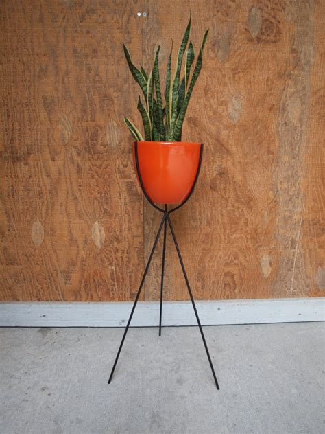 Stand Planter the 10 best standing planter options for your interior