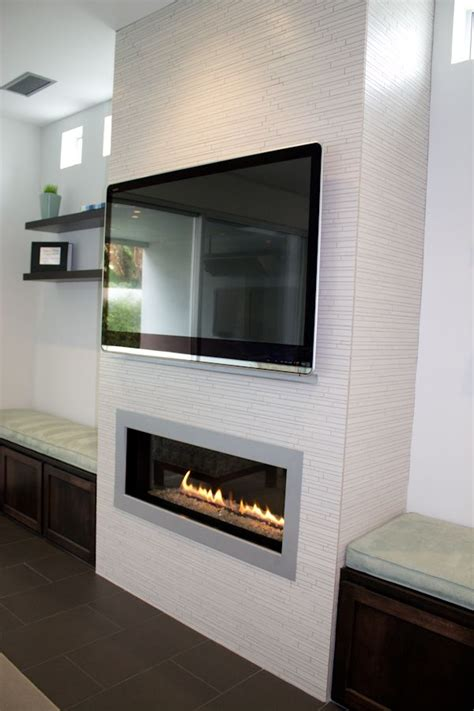 How To Use Der On Fireplace by Pretty White Tiles I This