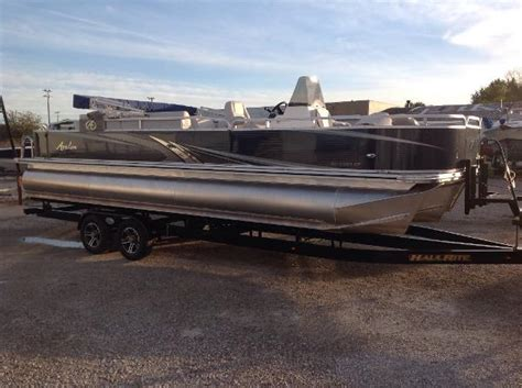 used pontoon boats for sale in illinois avalon boats for sale in illinois