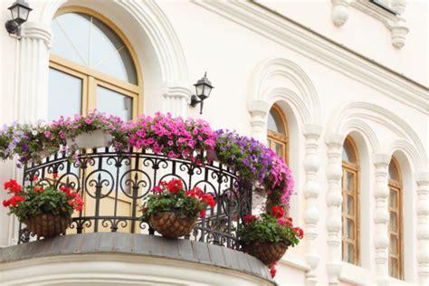 progettare un balcone fiorito www giardinofacile prenditi cura tuo giardino