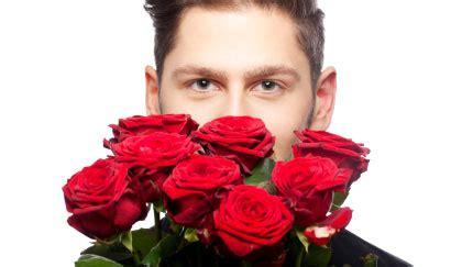 fiori laurea uomo si possono regalare fiori a un uomo e quali leitv