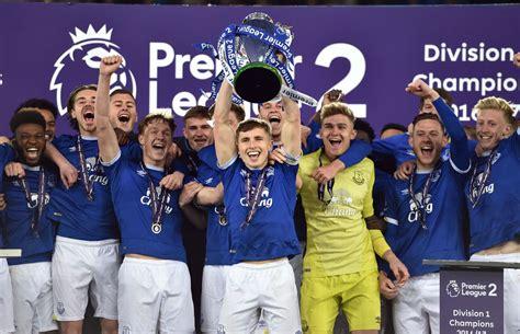 Premier League 2 everton u23s lift the premier league 2 trophy liverpool echo