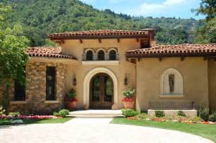 history of the mediterranean style home
