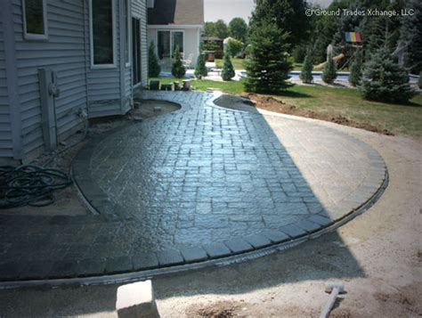 How To Install A Brick Patio by How To Install A Brick Paver Patio