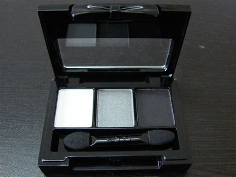 Nyx In Eye Shadow Palette Escape With nyx in eye shadow palette mo rockin beats review