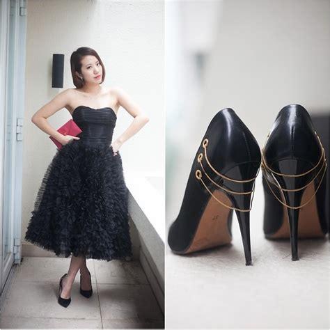 Preloved New Look canria caselli preloved popup satin black heels preloved popup black dress prada clutch