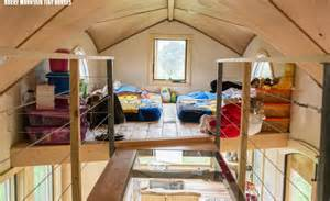 Tiny House For 5 Elegant Pequod Innovatively Fits A Family Of Four In A