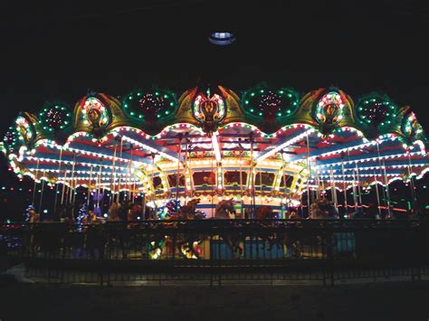 lake compounce holiday lights debuts november 30th