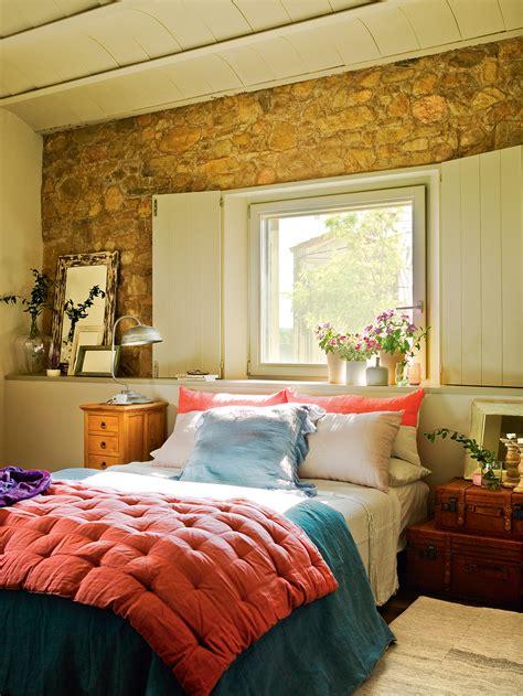 Preciosa  Banos Con Paredes De Piedra #5: Dormitorio-con-paredes-de-piedra_391518_ddf9ec82.jpg