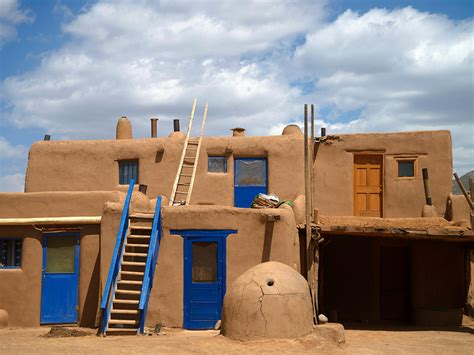 pueblo adobe homes pueblo de taos world heritage site national geographic
