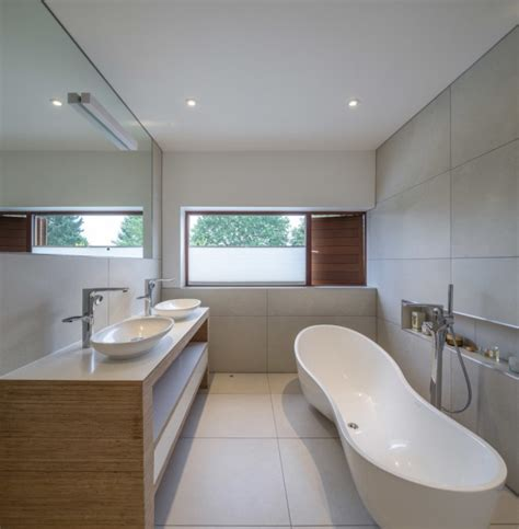 Modern Bathroom Windows by 18 Extravagant Modern Bathroom Designs To Update Your