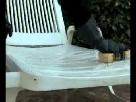 mobilier de jardin comment nettoyer mon mobilier de jardin en plastique