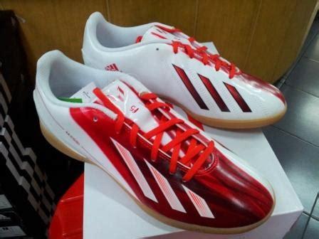 Sepatu Futsal Adidas F5 Original sepatu futsal adidas f5 messi putih merah jaka sports