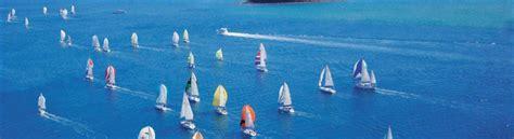 sailing boat whitsundays discover the beautiful whitsundays australia liveaboard