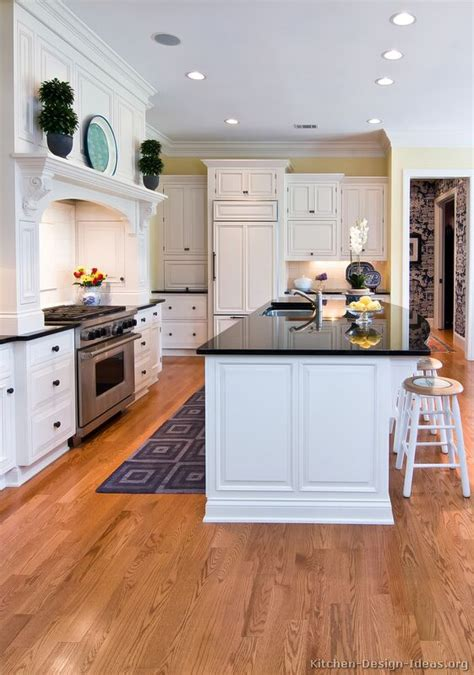 Traditional Kitchens With White Cabinets Pictures Of Kitchens Traditional White Kitchen Cabinets Kitchen 1