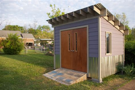 carries purple shed