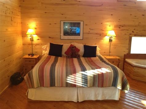 bedroom in cabin picture of ruidoso lodge cabins