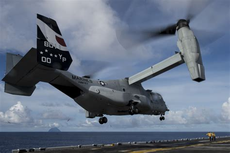 Search For In The Navy Us Navy Searching For Missing Aircrew Member Naval Today