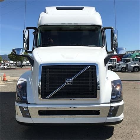 used volvo trucks sale conventional sleeper truck for sale at penske used autos
