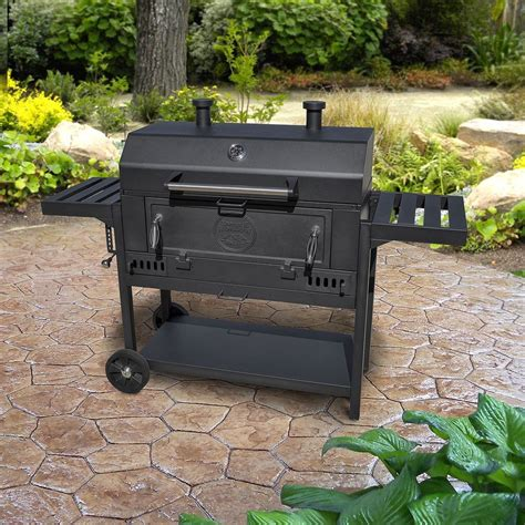 Charcaol Grill by Smoke Hollow Pro Series Heavy Duty Deluxe Charcoal Wagon