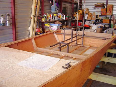 airboat builders airboat design boatbuilders site on glen l