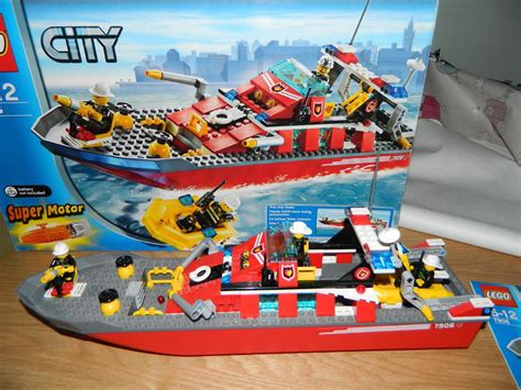 lego fire boat uk lego 7906 fire boat in lewes friday ad
