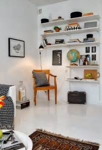 decordots: How to organize your living room   Basic adjustable shelves