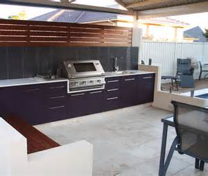 We design beautiful custom outdoor kitchen for the modern lifestyle