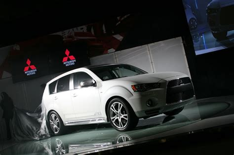 2009 new york auto show mitsubishi teases outlander gt έκθεση νέας υόρκης mitsubishi outlander gt prototype autoblog gr
