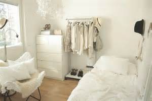 6 Creative Diy Ways Of Showing Off Clothing Amp Accessories Bedroom Fun Ideas