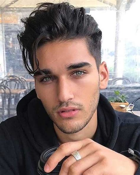 Attractive Hairstyles For Guys by Attractive Medium Haircut For Guys Mens Hairstyles 2018