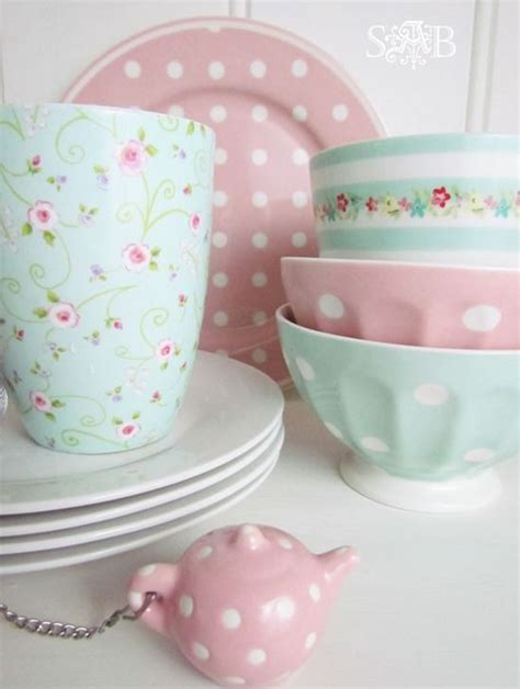 Green Kitchen Canister Set 32 Sweet Shabby Chic Kitchen Decor Ideas To Try Shelterness
