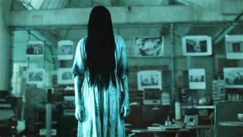 film horor rings monster monday samara morgan scared shirtless 2 chicks