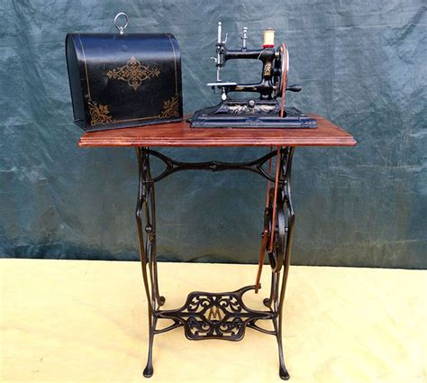 where can i buy a sewing machine cabinet best 25 treadle sewing machines ideas only on