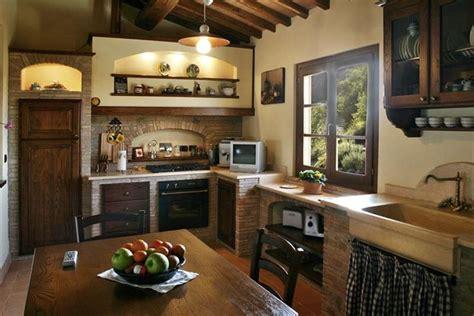 camini rustici con forno a legna oltre 25 fantastiche idee su caminetti rustici su