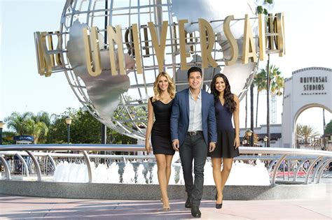 Extra Tv Show Giveaway - at universal studios hollywood extratv com