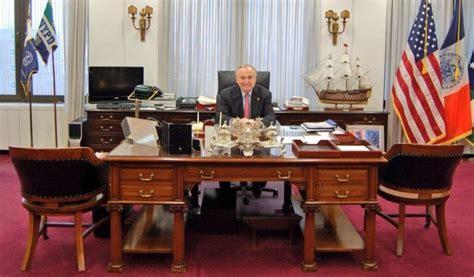 Manhattan Bill Desk theodore roosevelt s 121 year desk sits in nyc s