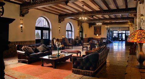 Michael Amini Dining Room Furniture Western Furniture San Antonio Art Rugs Leather Upholstery