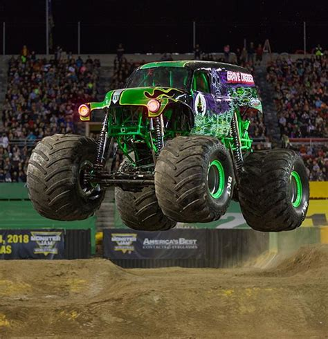 grave digger driver   dads footsteps whats nxt