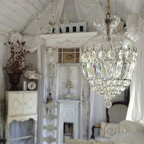 kronleuchter shabby chic 1204 best images about beautiful white rooms on