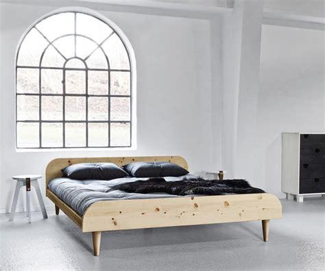 testiere letto legno letto in legno twist con testiera vivere zen