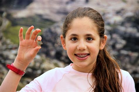12 old girl 12 year old israeli girl discovers ancient egyptian amulet