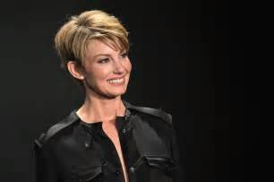 faith hill hair 2015 faith hill s oscar hair shorter than short cmt