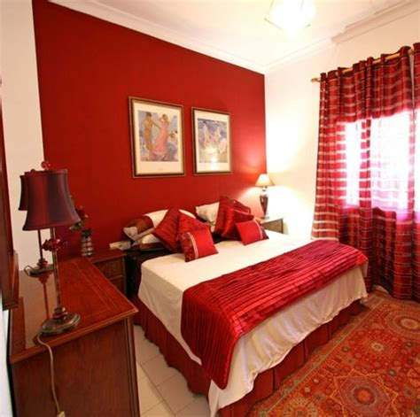 Red Bedroom Decorating Ideas decorating ideas for small bedrooms with orange wall color
