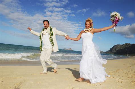 Hochzeit Hawaii by Affordable Barefoot Hawaii Wedding In Oahu And Kauai