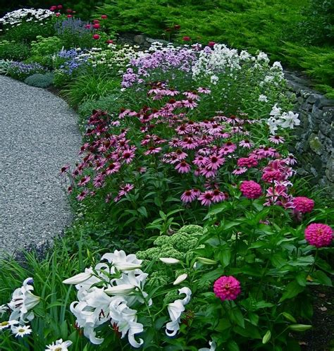 25 great ideas about flower garden borders on
