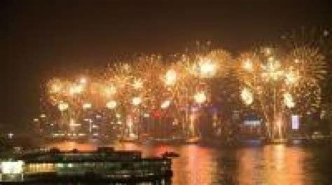 hong kong new year fireworks live hong kong new year s 2017 fireworks live here