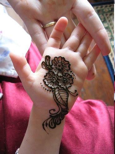easy mehndi design  kids hands beautifull  latest