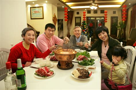 new year 2016 reunion dinner recommendations 5 new year traditions that are still followed